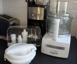 magimix 4200 food processor in action